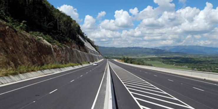 Chinese-built Highway Opened in Jamaica